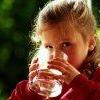 Що пити дітям: чай або сік?