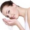Як прибрати сліди від прищів на обличчі