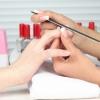 Як видалити акрилові нігті