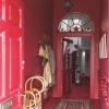 Червоні шпалери в інтер`єрі житлових приміщень