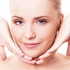 Масаж для обличчя проти зморшок на лобі і інших частинах особи