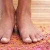 Народний засіб від пітливості ніг допомогло жінці