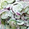 Огірковий салат в сметанному соусі
