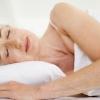 Оніміння рук уві сні: причини