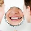 Відбілювання зубів за допомогою перекису водню