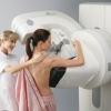 Щільна тканина грудей підвищує ризик помилок при мамографії