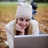 Чому дівчата не пишуть першими? Чи варто писати дівчині першим?