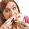 Чому перед місячними хочеться їсти, і як отримати контроль над своїм апетитом?
