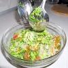 Салат з фунчеза і креветками