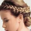 Поради з плетіння кіс на середні волосся