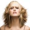 Стрижки на волосся середньої довжини