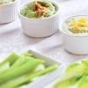 Свіжі овочі з трьома видами сирного соусу